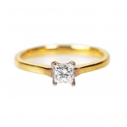 18ct Yellow Gold 0.15ct Princess Cut Solitaire Diamond Ring 0601 3820 P