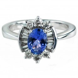 9ct White Gold Tanzanite-Centred Round Brilliant and Baguette Diamond Cluster Ring DTR757W L