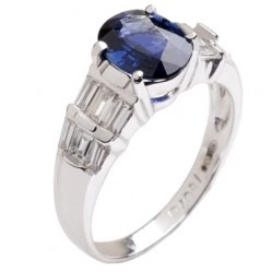 18ct White Gold Oval Sapphire and Diamond Shouldered Ring 18DR447-S-W O