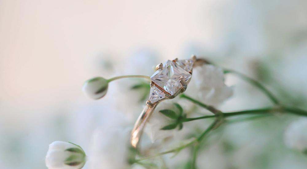 Perfect Christmas Engagement Rings - Top 5 Picks