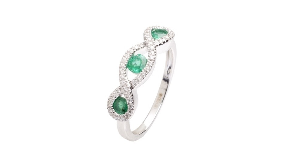 18ct White Gold Diamond and Emerald Trilogy Ring