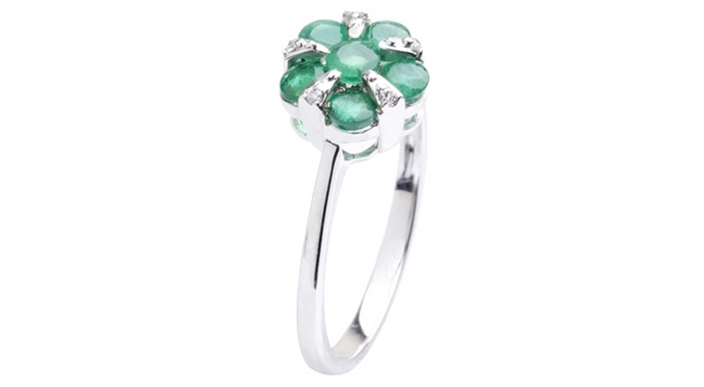 18ct White Gold Emerald Diamond Flower Cluster Ring