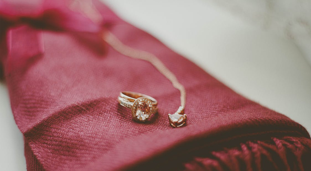 5 Things You Should Know Before Buying Gold Jewellery